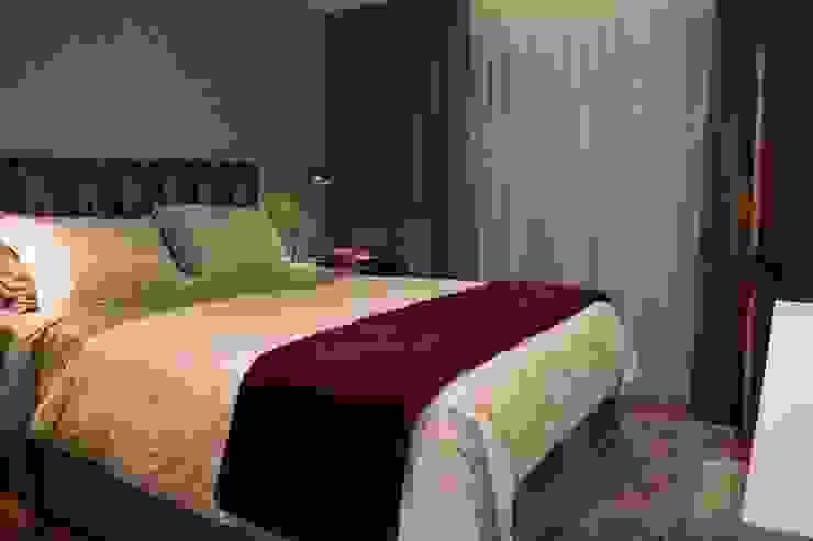 Suite Master MONICA SPADA DURANTE ARQUITETURA Quartos modernos