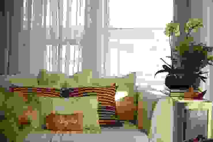 Detalhes Salas de estar modernas por Coutinho+Vilela Moderno