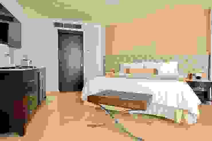 Moon Palace Nizuc Cancún. Dormitorios clásicos de Marbol industria Mueblera Clásico
