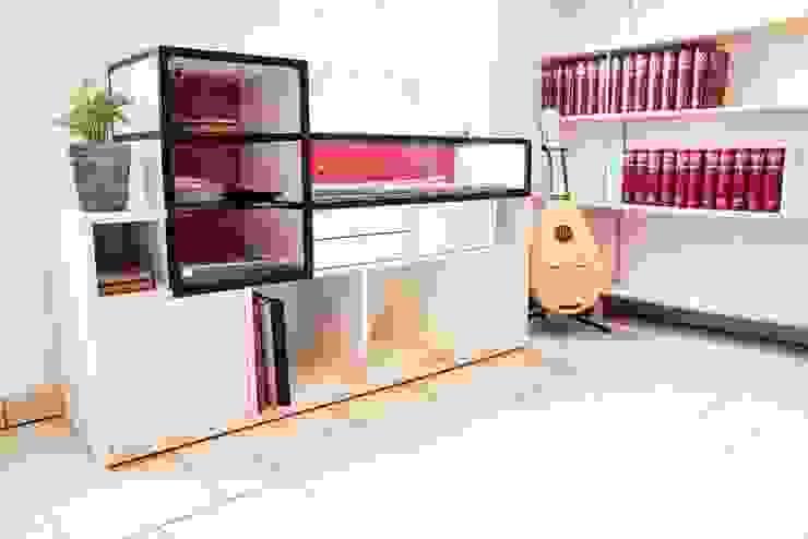 di TAVAR e.K. anziehende Möbel Minimalista Legno Effetto legno