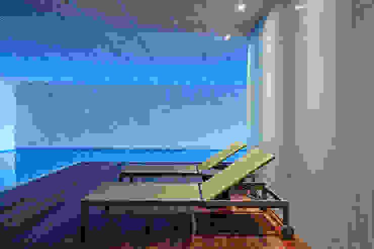 Piletas modernas: Ideas, imágenes y decoración de Alessandra Contigli Arquitetura e Interiores Moderno