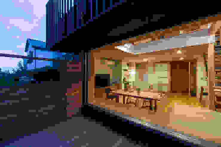 Balkon, Beranda & Teras Modern Oleh 藤森大作建築設計事務所 Modern