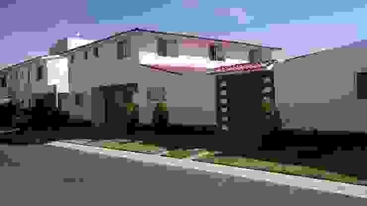 CASA REAL DEL BOSQUE, CORREGIDORA QUERETARO, MEX Casas modernas de LOGE ARQUITECTOS Moderno