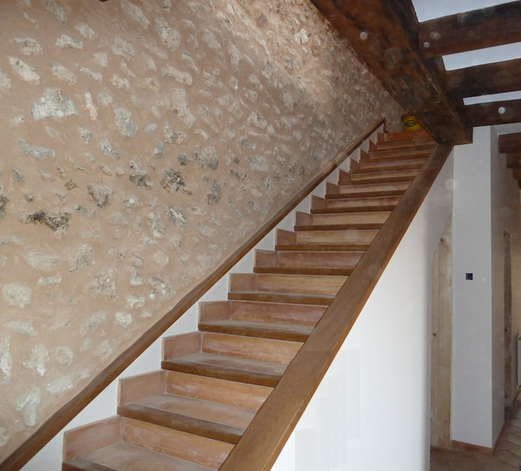 ABAD Y COTONER, S.L. Country style corridor, hallway& stairs