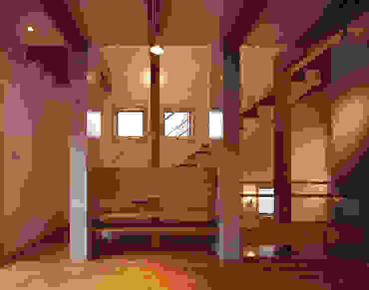 リビング 和風デザインの リビング の エーディフォー 一級建築士事務所 和風
