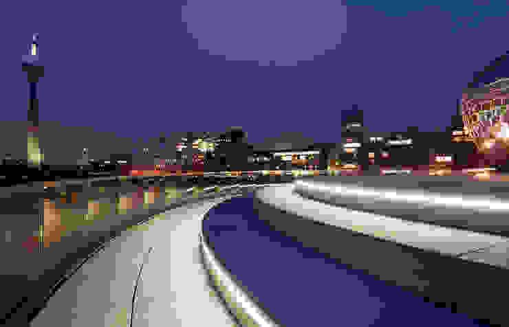 Hotel Modern Oleh MK2 international landscape architects Modern
