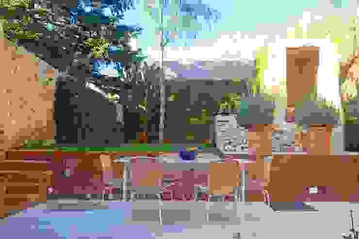Brick Serveis d'Interiorisme S.L.が手掛けた庭, 地中海