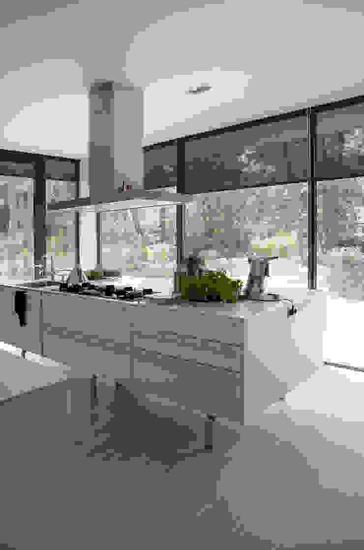 Woonhuis Bosch en Duin Moderne keukens van Maas Architecten Modern