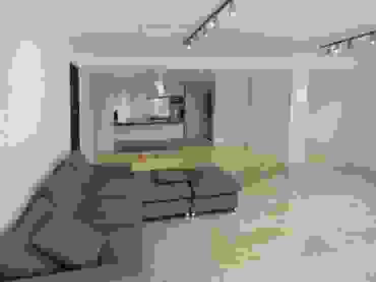 . Salas de estilo minimalista de RRA Arquitectura Minimalista Mármol