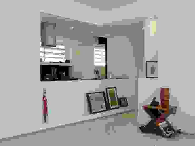 14 Salas de estilo minimalista de RRA Arquitectura Minimalista
