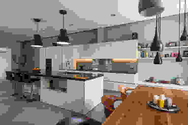 Cocina | Reforma Loft Barcelona | Standal Cocinas de estilo moderno de homify Moderno