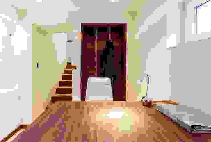 Recepcja Nowoczesne domowe biuro i gabinet od Venturi Home Solutions Nowoczesny Drewno O efekcie drewna