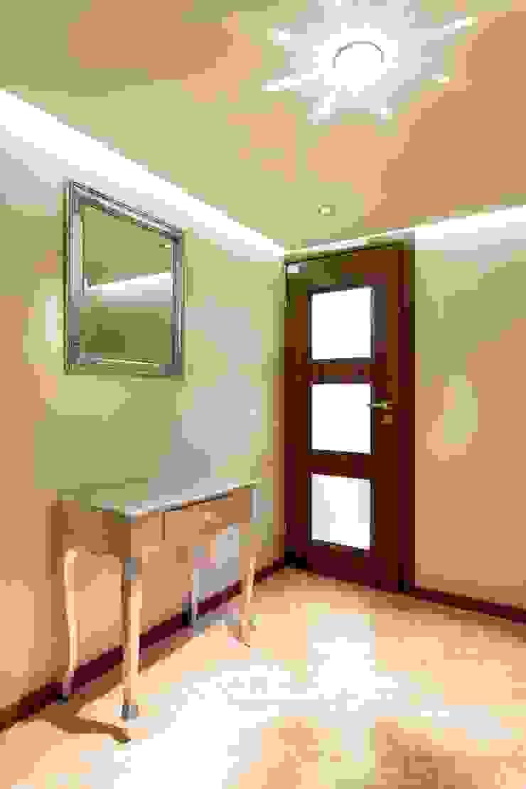 Hall w showroomie. Nowoczesny korytarz, przedpokój i schody od Venturi Home Solutions Nowoczesny Kamień