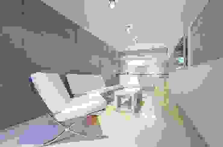 Salon dla klientów Nowoczesny salon od Venturi Home Solutions Nowoczesny Kamień