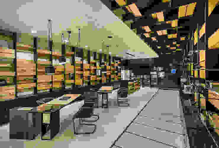 OMR_MTS2_5 Lojas e Espaços comerciais modernos por XYZ Arquitectos Associados Moderno