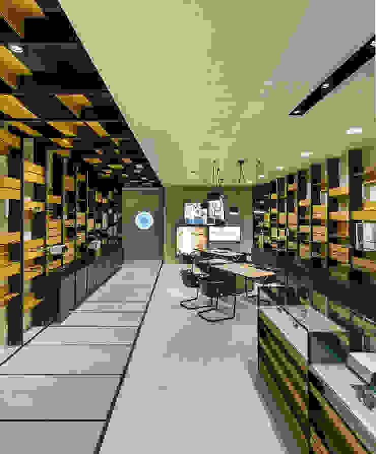 OMR_MTS2_6 Lojas e Espaços comerciais modernos por XYZ Arquitectos Associados Moderno