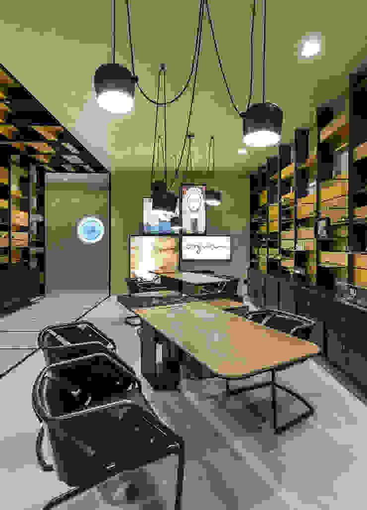 OMR_MTS2_9 Lojas e Espaços comerciais modernos por XYZ Arquitectos Associados Moderno