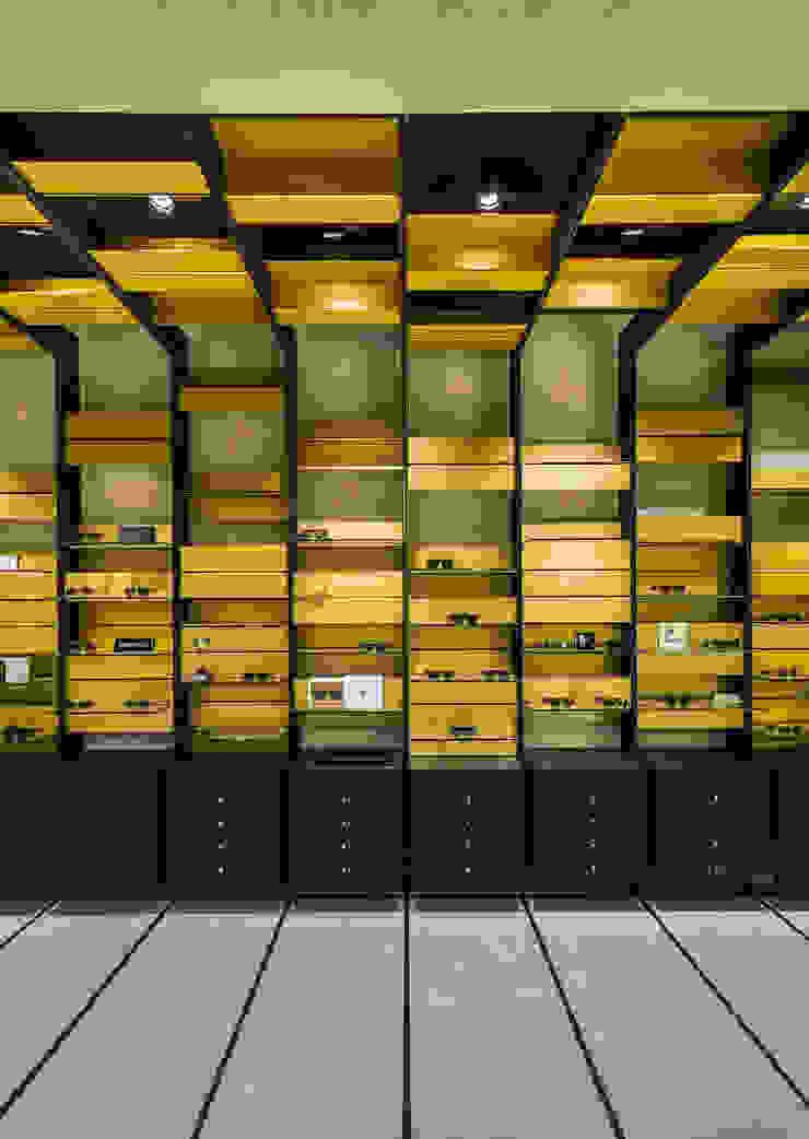 OMR_MTS2_10 Lojas e Espaços comerciais modernos por XYZ Arquitectos Associados Moderno