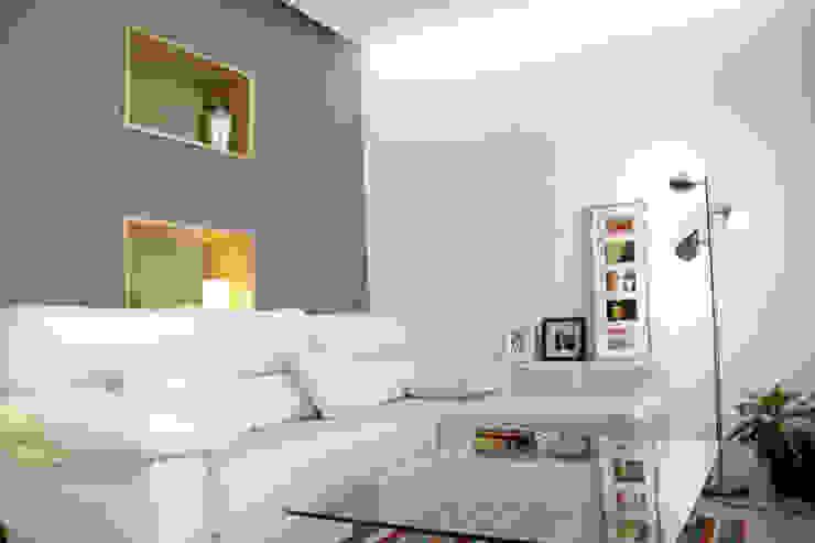 Living room by NAZAR Estudio, Minimalist