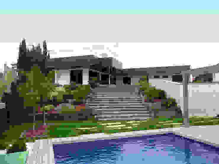 FABRICA DE ARQUITECTURA Casas modernas Metal