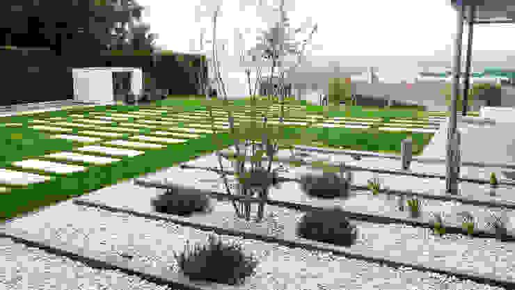 Modern garden by FABRICA DE ARQUITECTURA Modern