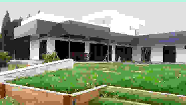 REFORMA DE VIVIENDA UNIFAMILIAR AISLADA EN SALTERAS Casas de estilo moderno de FABRICA DE ARQUITECTURA Moderno