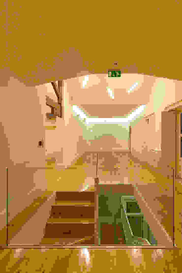 CPC-IS_15 por XYZ Arquitectos Associados Moderno