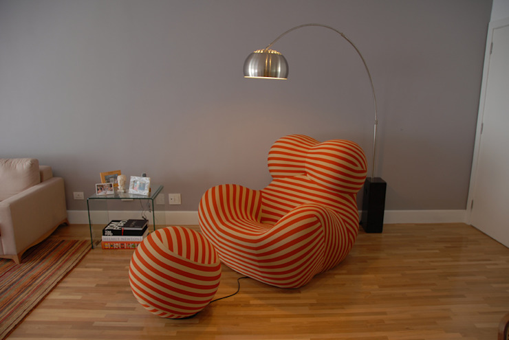 Donna Chair 1 Salas de estar minimalistas por MONICA SPADA DURANTE ARQUITETURA Minimalista