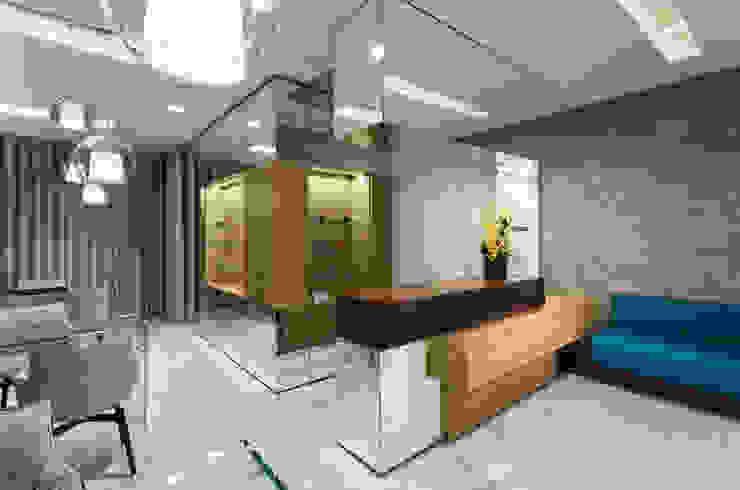 OM_8 Lojas e Espaços comerciais modernos por XYZ Arquitectos Associados Moderno