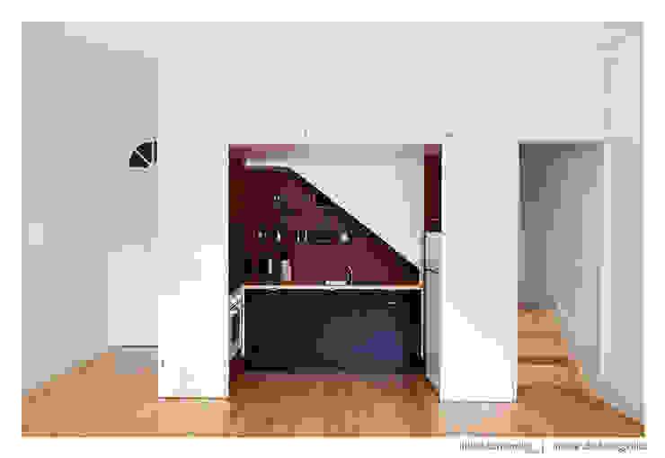 BAAU - Bernardo Amaral Arquitectura+Urbanismo 現代廚房設計點子、靈感&圖片