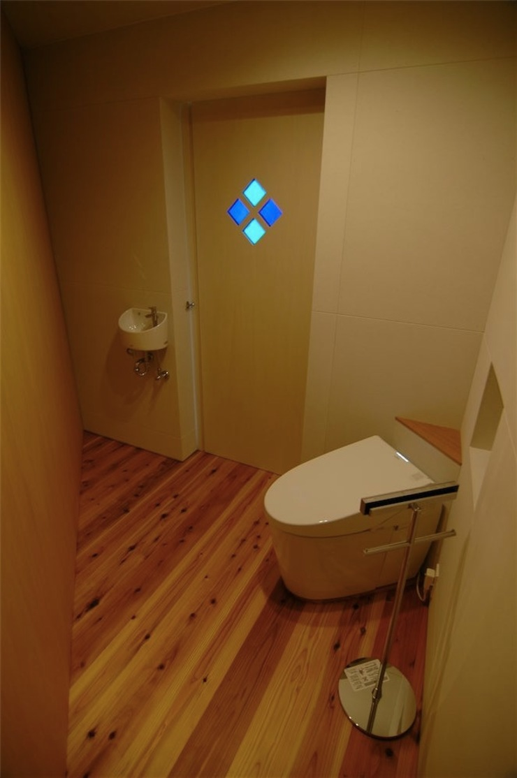 house A _Ultimate efficiency モダンスタイルの お風呂 の 吉村寿博建築設計事務所 モダン