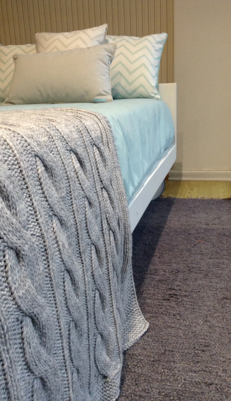 Manta de lã. por Pau de Giz, artigos para criança, lda Clássico Lã Laranja