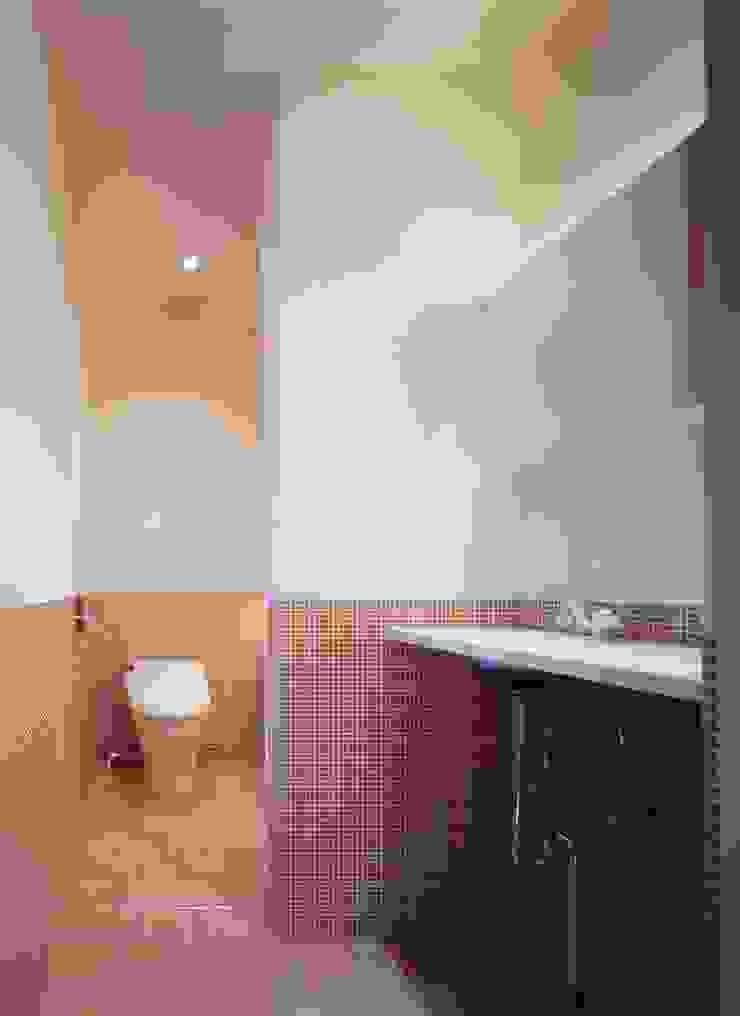 大林邸 モダンスタイルの寝室 の MAY COMPANY & ARCHITECTS モダン