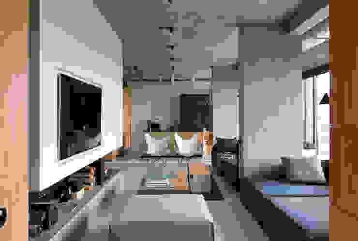 NPL. Penthouse:  Living room by Olga Akulova DESIGN