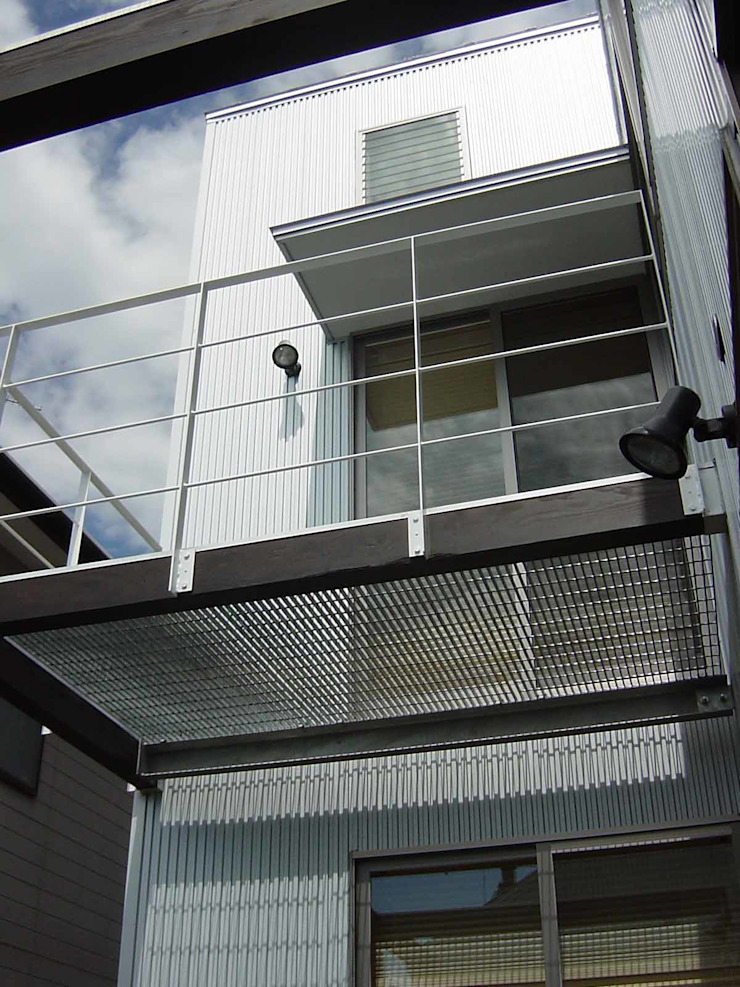 K-HOUSE モダンデザインの テラス の 雨川建築設計室 モダン