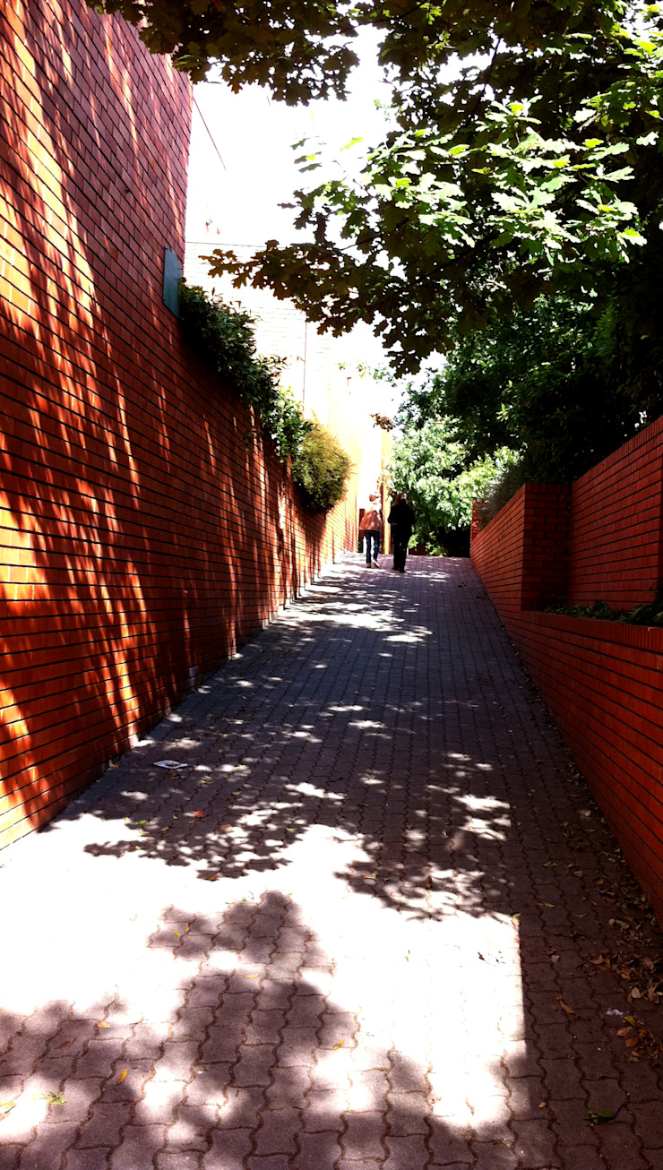 Caminho Casas modernas por MANUEL CORREIA FERNANDES, ARQUITECTO E ASSOCIADOS Moderno Tijolo