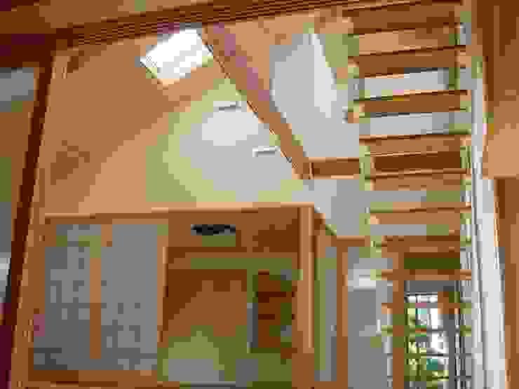 K-HOUSE モダンスタイルの 玄関&廊下&階段 の 雨川建築設計室 モダン