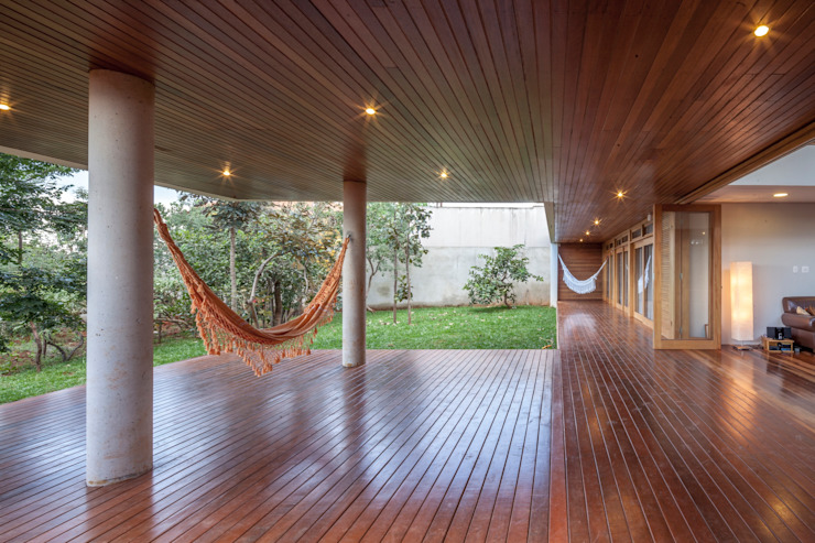 Balcon, Veranda & Terrasse modernes par MGS - Macedo, Gomes & Sobreira Moderne