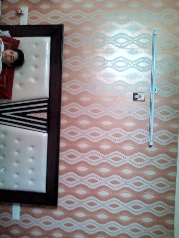 indian wallpaper Modern style bedroom by Mohali Interiors Modern Paper