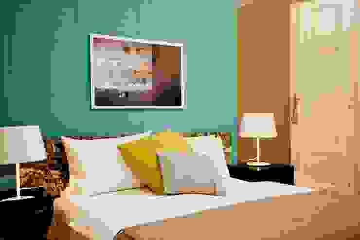 Apartment Wien Naschmarkt Klassische Schlafzimmer von Christian Hantschel Interior Design Klassisch Flachs/Leinen Pink