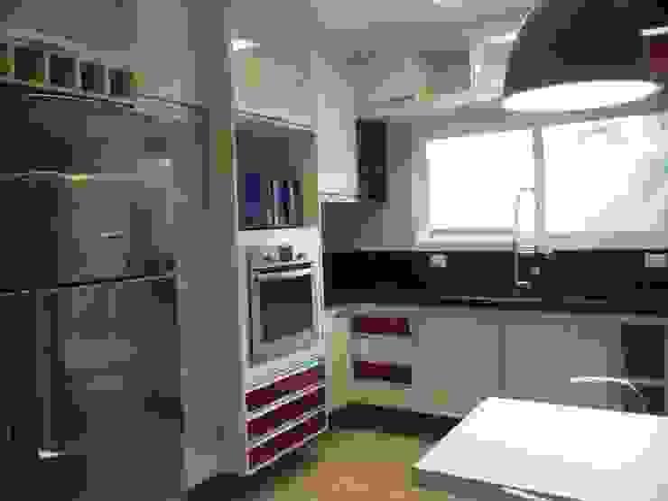 Residência Vale do Paraíba – SP Cozinhas modernas por ANALU ANDRADE - ARQUITETURA E DESIGN Moderno