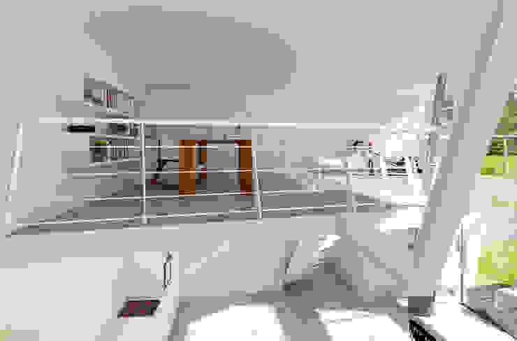 Minimalistische Arbeitszimmer von KRISZTINA HAROSI - ARCHITECTURAL RENDERING Minimalistisch