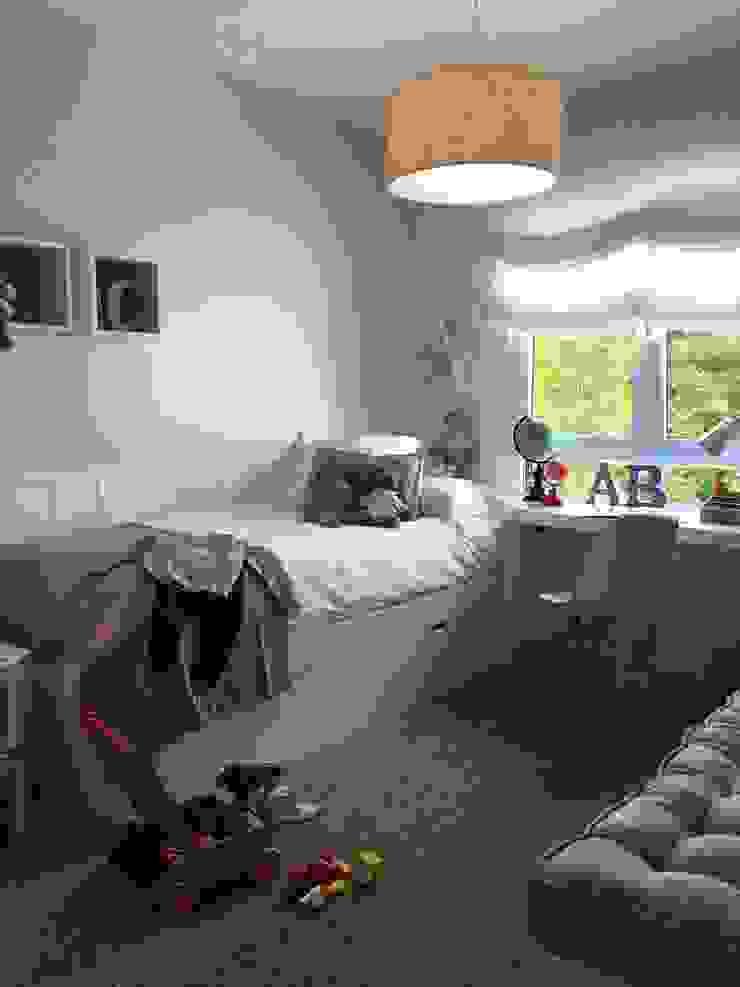Después Dormitorios infantiles de estilo clásico de Celia Crego Clásico