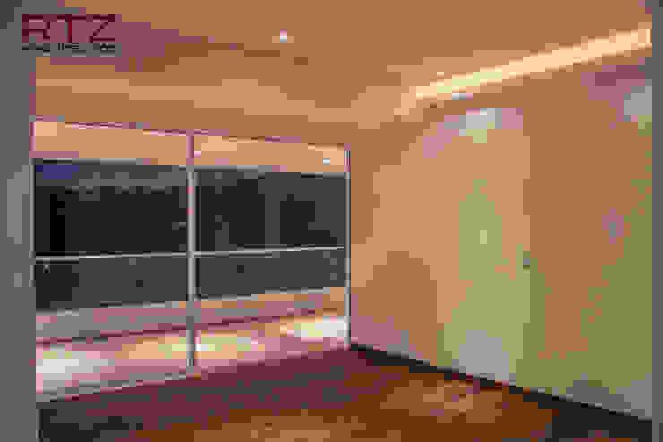 Moderne slaapkamers van RTZ-Arquitectos Modern