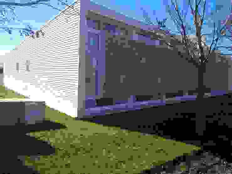 Casas de estilo  de STREMEL CONSTRUCCIONES SRL, Moderno