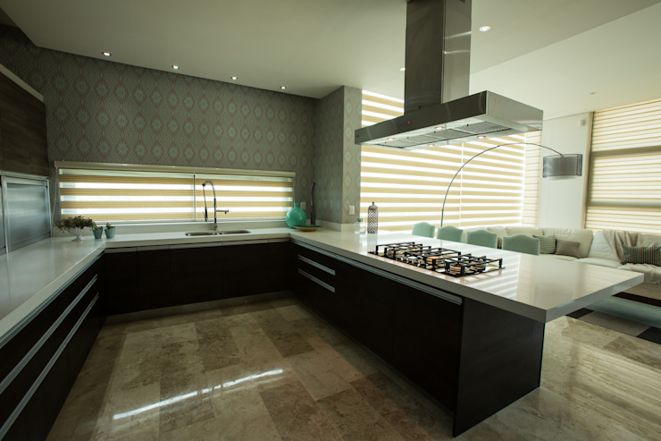 Cocina y barra. Cocinas modernas de Dovela Interiorismo Moderno Cuarzo