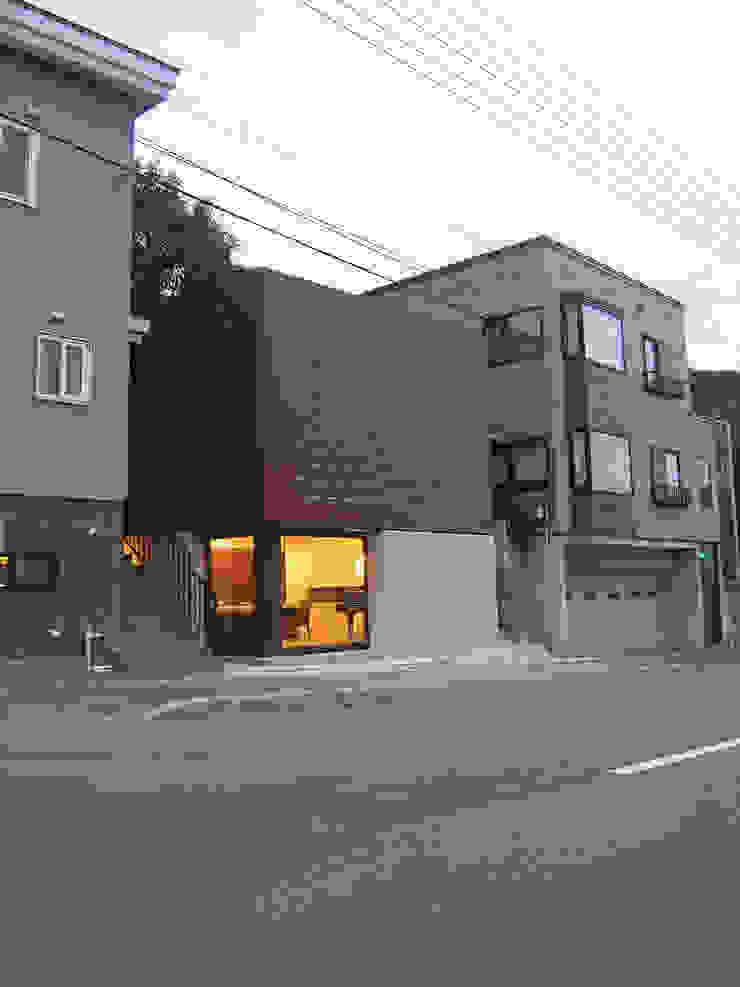 小樽のゲストハウス モダンな 家 の アウラ建築設計事務所 モダン