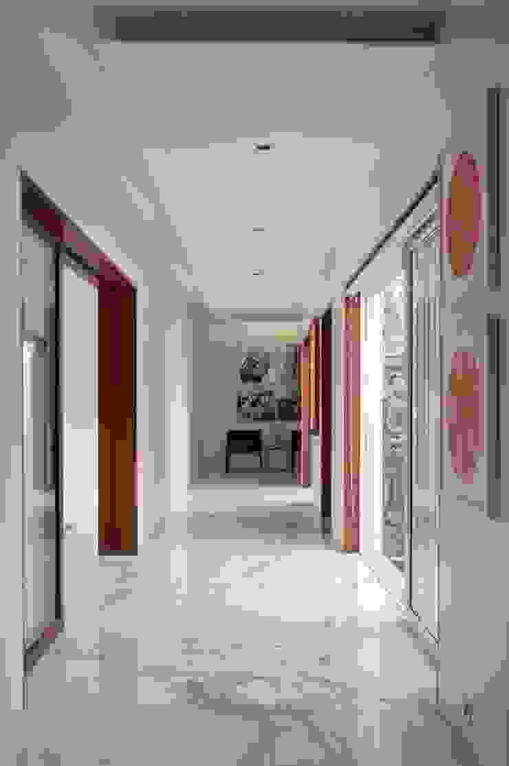 NP Villa Modern corridor, hallway & stairs by Atelier Design N Domain Modern