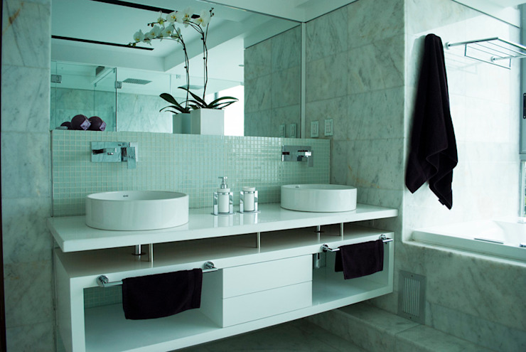 Modern style bathrooms by VODO Arquitectos Modern