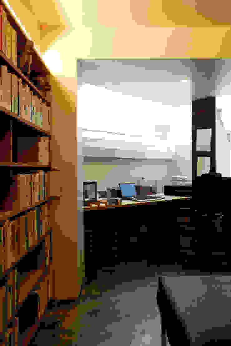 隠れ家リトリート インダストリアルデザインの 書斎 の 大塚聡アトリエ・一級建築士事務所 インダストリアル
